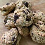 En esta imagen aparecen unas galletas de chocolate veganas