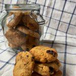En esta imagen encontramos unas galletas veganas hechas con crema de cacahuete