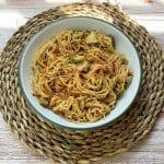 En esta imagen aparece un plato de noodles cremosos de arroz