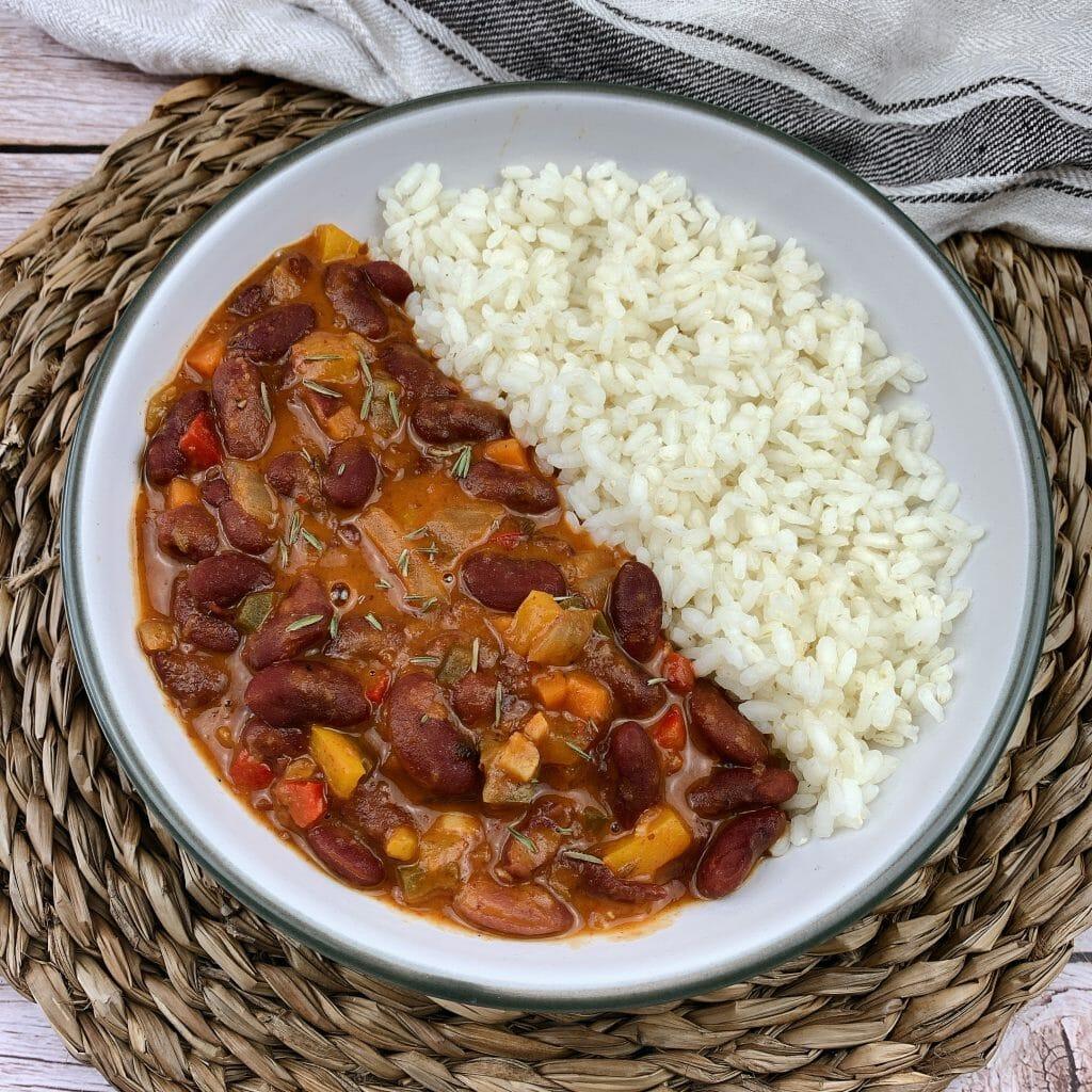 En esta imagen aparece un plato de ragout de verduras